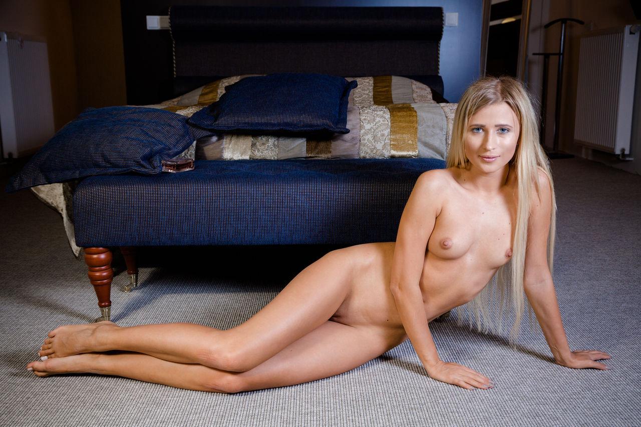 Hot Blonde Nude Swedish Goddess