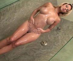 Ashlynn Brooke Showered Up