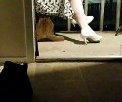 bbw in ripped pantyhose shoeplay