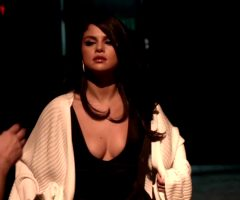 Bouncy Selena Gomez