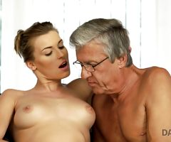 DADDY4K. Victoria doesnt love her boyfriend but likes his