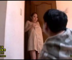 Erika Kitagawa Accidentally Drops Her Towel