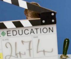 Gillian Anderson : Sex Education : Netflix : Celebs : Television : GIF : Gfycat : NSFW : Imgur : Video