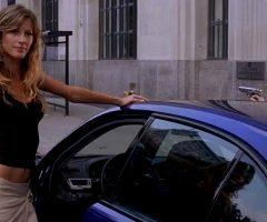 """Gisele Bündchen """"frisks"""" Jennifer Esposito In 'Taxi'"""