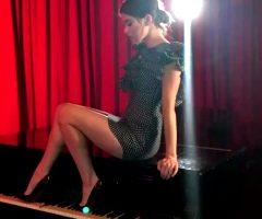 Hailee Steinfeld On A Piano