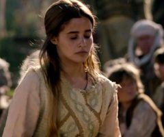 Holly Earl – Beowulf: Return To The Shieldlands
