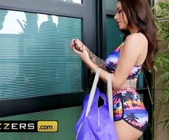 Hot And Mean – Gia Dimarco Katrina Jade – Shes Not What