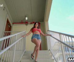 Julianna Vega – Julianna Vega Loves To Fuck In Public