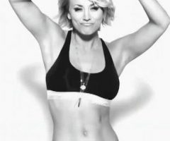 Kaley Cuoco – Perfect Abs.