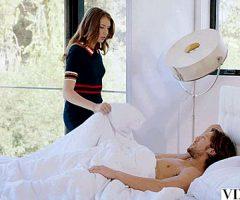 Kinkymarieofficial – Elena Koshka Competition Between Sisters Vixen
