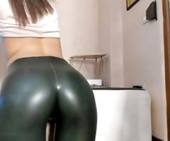 Tight ass babe Hotel77777 in leggings