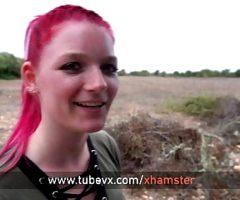 VISIT-X Geile MarryFox in Malle verirrt und im Auto gefickt