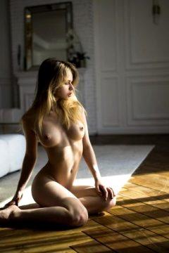 Alexandra Smelova By Stakis Laus