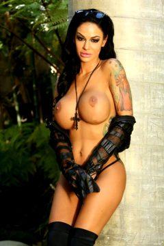 Angelina Valentine – Black