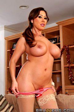 Big Tits Make The World Go Round Kianna Dior Mommy