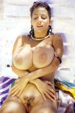 Big90s – To Paraphrase Vintage Bosom Devon Daniels Was Barely 5 Feet Tall But She Still Managed To Impress