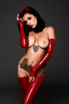 Coralinne In Latex