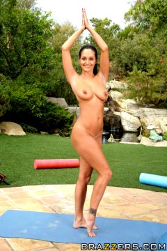 Creaming On Ava's Big Yogasava Addamsbig Tits In Sports