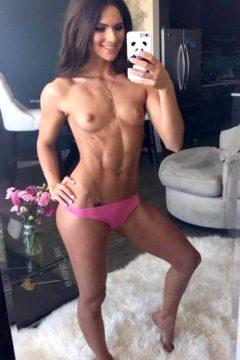 Fit Sexy Nude Selfie / Aspen Rae