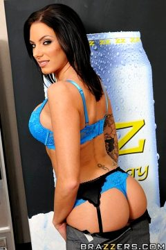 Fucking The Vending Machine Dude – Juelz Ventura – Big Tits At Work