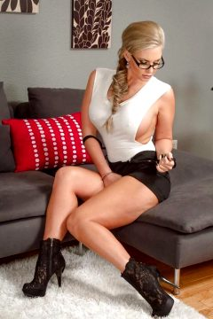 Glasses Photoset Milf