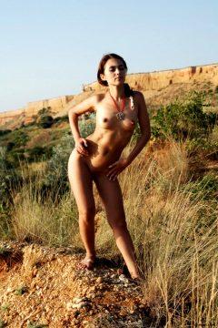 Gorgeous-olga-poses-eroticaly-on-a-hot-sunny-day