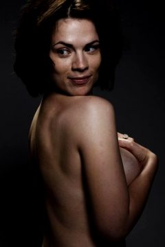 Hayley Atwell Outtake !