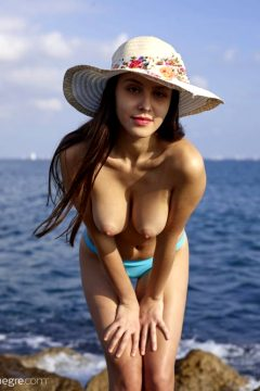 Hegre Alisa – Naked Vacation