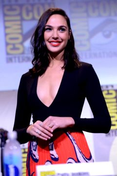 I Love This Outfit On Gal Gadot