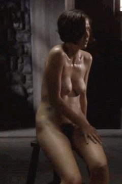 Jake Gyllenhaal Sister Maggie Has Beautiful Boobs And Pubes In This Scene Where She Is Forced To Strip Naked