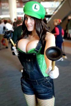 Luigi Is Looking Hot