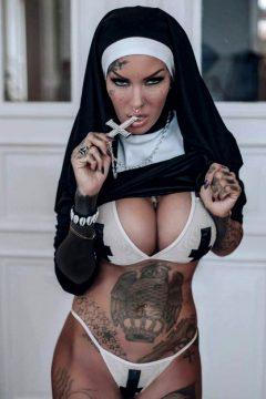 Mallory Van Knox