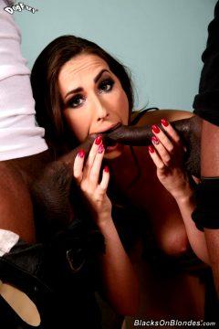 Paige Turnah Blowjob Big Tits Cum