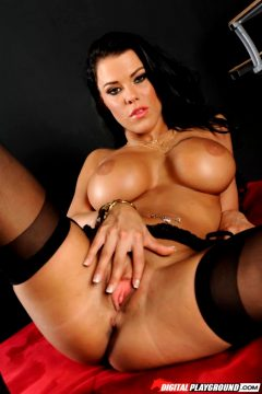 Peta Jensen – Lock And Load