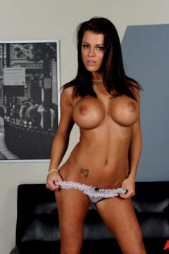 Peta Jensen – The Man with the Golden Love Gun