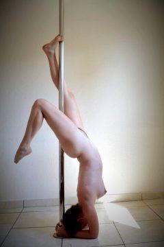 Pole Nude 😊