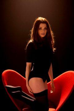 Rachel Weisz Is Stunning