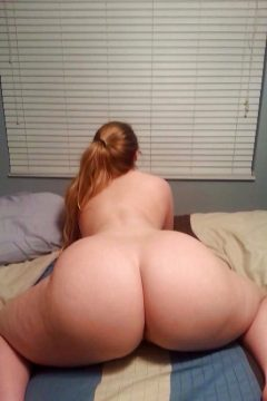 Seductive tits and booty collection by 'BumsBumsBums'