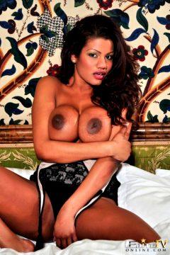 Sophia Lares – King Size Bed